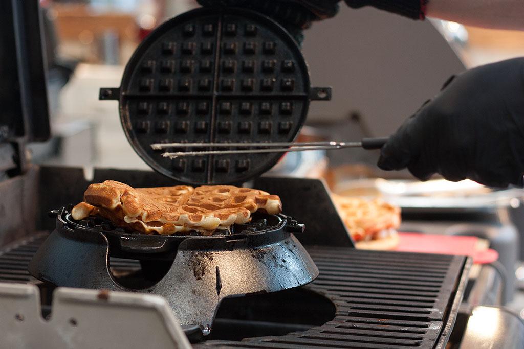Weber neuheiten grilltank 2016 im weber original store for Weber grill berlin