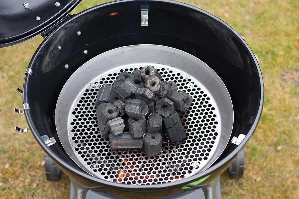 grill mit bel ftung klimaanlage und heizung zu hause. Black Bedroom Furniture Sets. Home Design Ideas