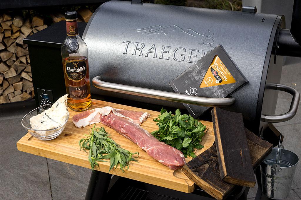 Bacon Wrapped Schweinefilet mit GorgonzolaKräuterFüllung