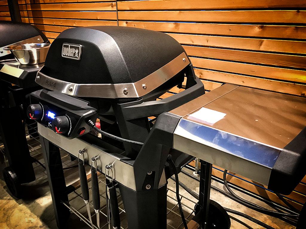 Weber Elektrogrill Pulse 2000 : Weber pulse u praxis test beim weber neuheiten event bigbbq